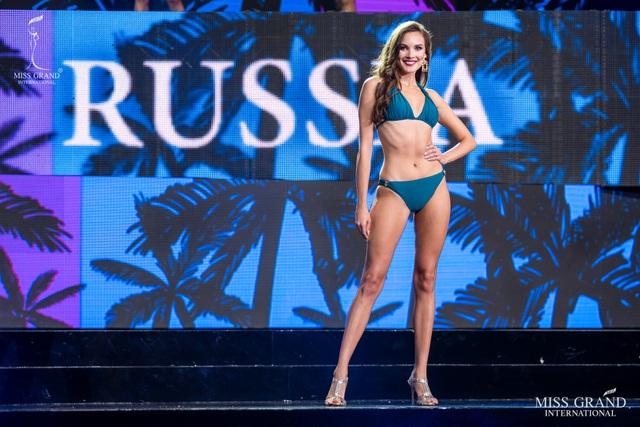 Ngắm dàn thí sinh Hoa hậu hoà bình quốc tế 2019 bốc lửa với áo tắm - 9