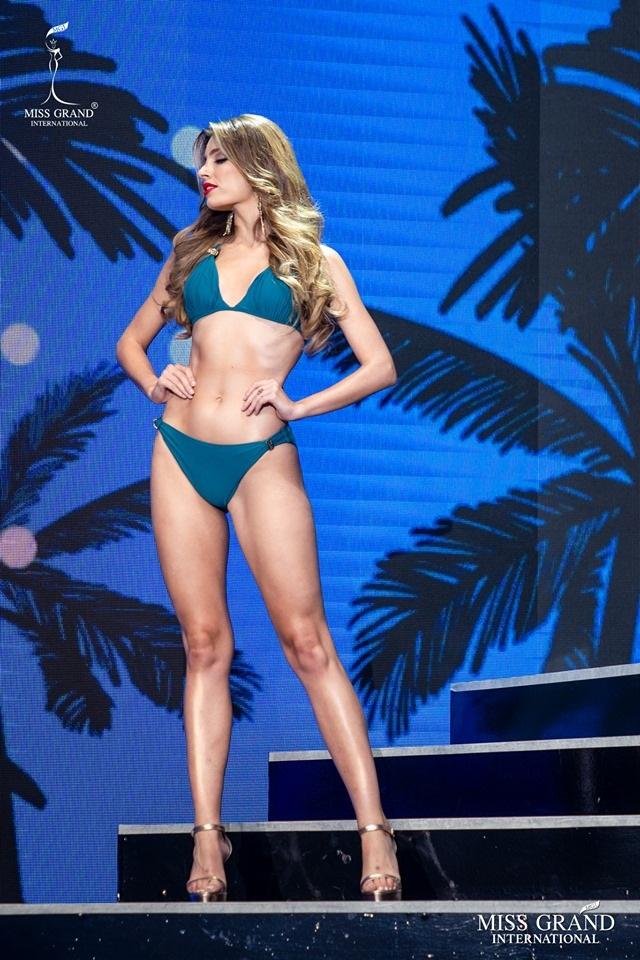 Ngắm dàn thí sinh Hoa hậu hoà bình quốc tế 2019 bốc lửa với áo tắm - 30
