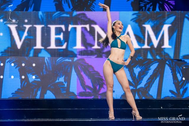 Ngắm dàn thí sinh Hoa hậu hoà bình quốc tế 2019 bốc lửa với áo tắm - 1