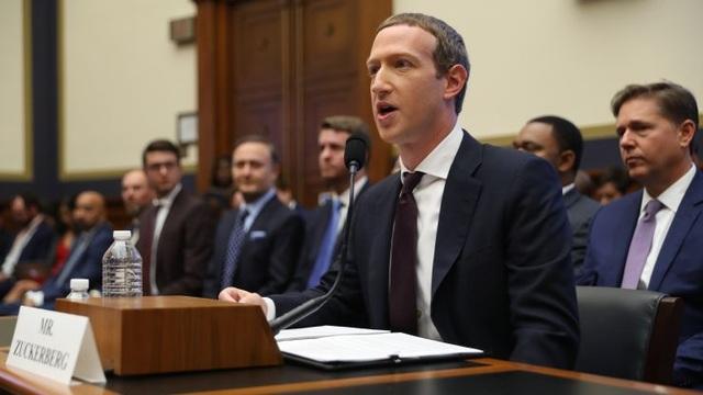 """Mark Zuckerberg thừa nhận """"Facebook đang bị mất lòng tin"""" - 1"""