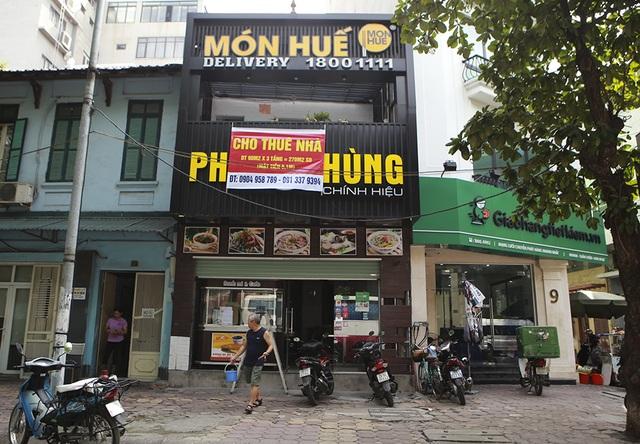 Hà Nội: Khung cảnh hoang tàn ở chuỗi cửa hàng Món Huế - 3