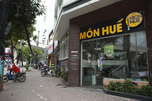 Hà Nội: Khung cảnh hoang tàn ở chuỗi cửa hàng Món Huế - 7