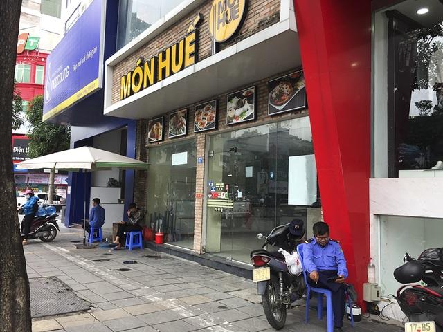 Hà Nội: Khung cảnh hoang tàn ở chuỗi cửa hàng Món Huế - 6