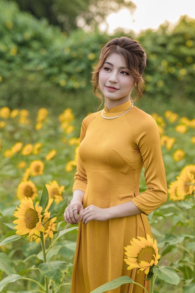 Mùa thu về dịu dàng trên cánh đồng hoa hướng dương Hà Nội - 1