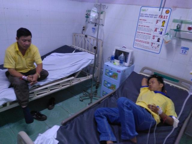 Hàng loạt công nhân nhập viện nghi ngộ độc thực phẩm - 1