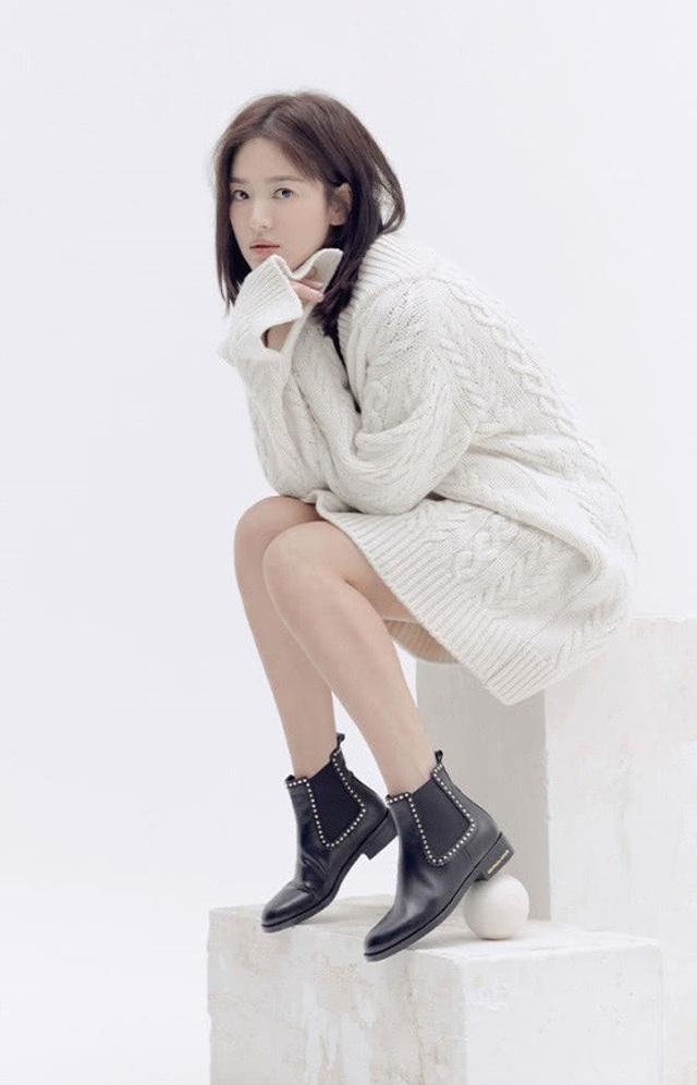 """Song Hye Kyo trang điểm trong veo hút hồn cư dân mạng sau lùm xùm """"nói không giữ lời"""" - 13"""