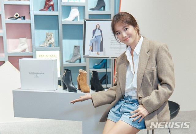 """Song Hye Kyo trang điểm trong veo hút hồn cư dân mạng sau lùm xùm """"nói không giữ lời"""" - 6"""