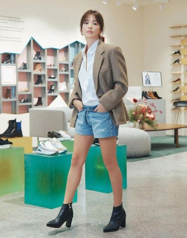 """Song Hye Kyo trang điểm trong veo hút hồn cư dân mạng sau lùm xùm """"nói không giữ lời"""" - 4"""