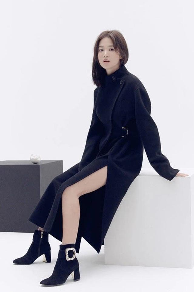 """Song Hye Kyo trang điểm trong veo hút hồn cư dân mạng sau lùm xùm """"nói không giữ lời"""" - 11"""