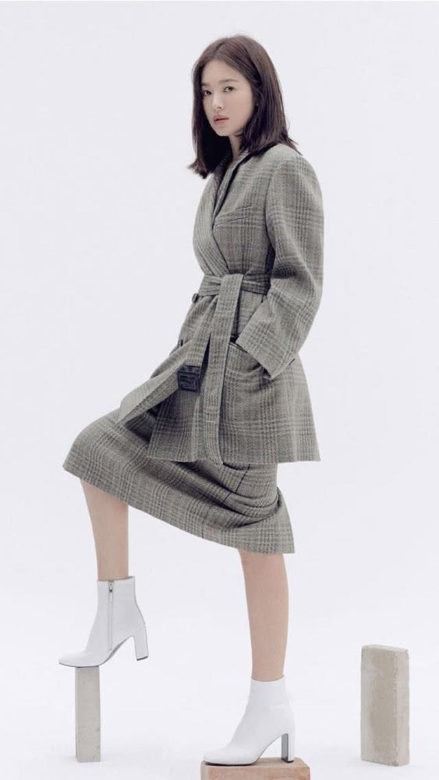 """Song Hye Kyo trang điểm trong veo hút hồn cư dân mạng sau lùm xùm """"nói không giữ lời"""" - 10"""