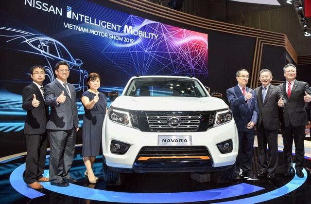 Nissan Việt Nam trở lại cùng Navara Black Edition A-IVI - 1