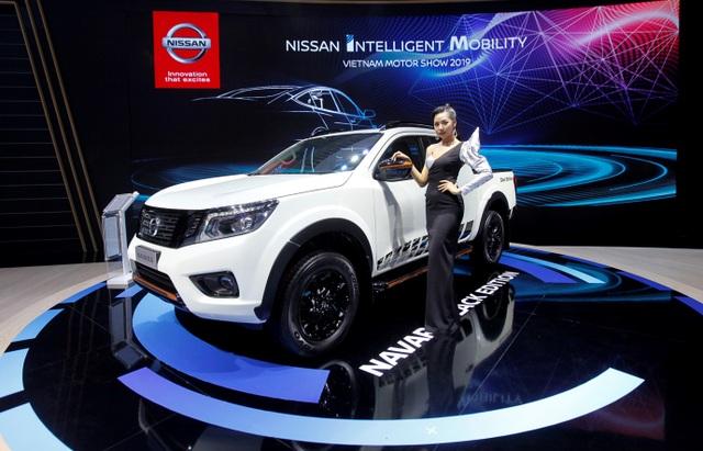 Nissan Việt Nam trở lại cùng Navara Black Edition A-IVI - 2
