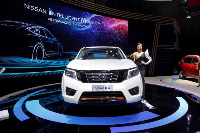 Nissan Việt Nam trở lại cùng Navara Black Edition A-IVI - 3