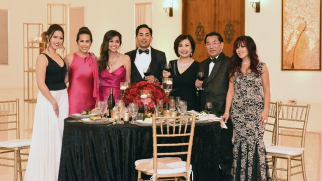 Gia đình siêu giàu gốc Việt vươn lên từ tay trắng lên truyền hình Mỹ - 1