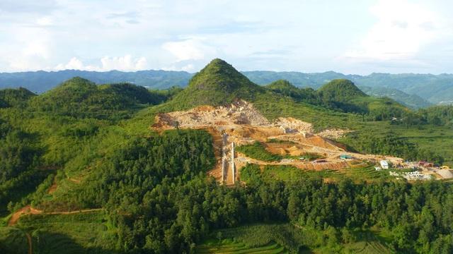 Xẻ núi xây khu sinh thái văn hóa tâm linh gần di tích Cột cờ Lũng Cú - 2