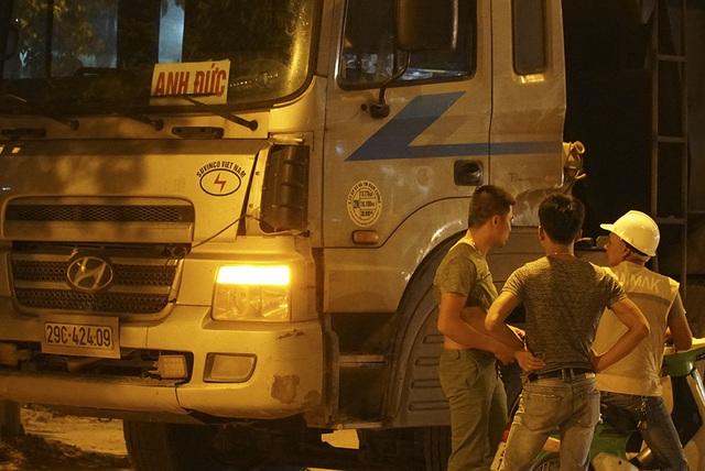 Bị CSGT kiểm tra, hàng loạt tài xế xe quá tải gọi điện cho người thân - 9