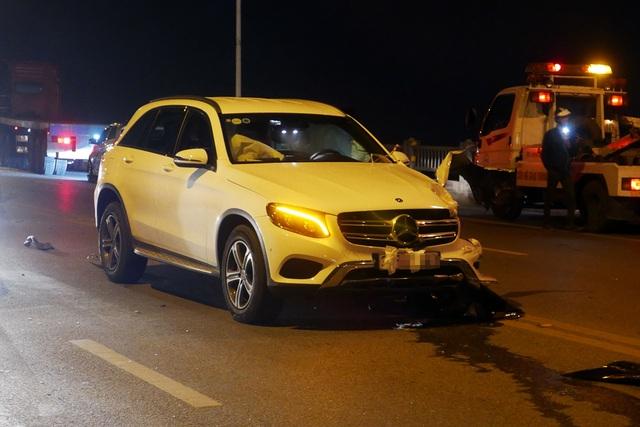 Hà Nội: Tai nạn kinh hoàng giữa 3 xe ô tô trên cầu Vĩnh Tuy - 8