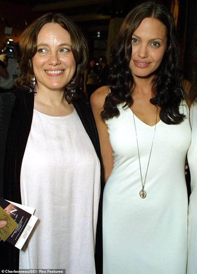 Angelina Jolie hé lộ lý do cắt bỏ tuyến vú và buồng trứng - 1