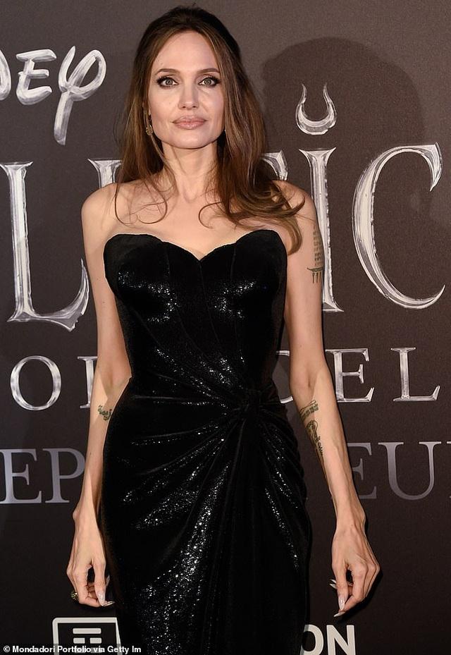 Angelina Jolie hé lộ lý do cắt bỏ tuyến vú và buồng trứng - 2