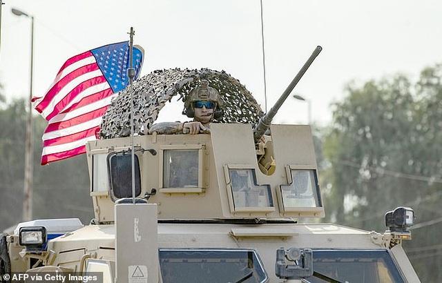 Mỹ tính đưa 30 siêu tăng bảo vệ mỏ dầu tại Syria - 1
