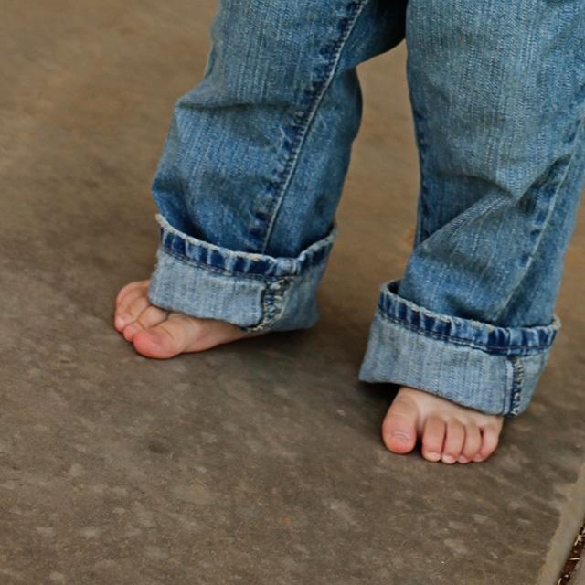 Cả nhà bị đuổi khỏi máy bay vì cậu con trai không đi giày - 2