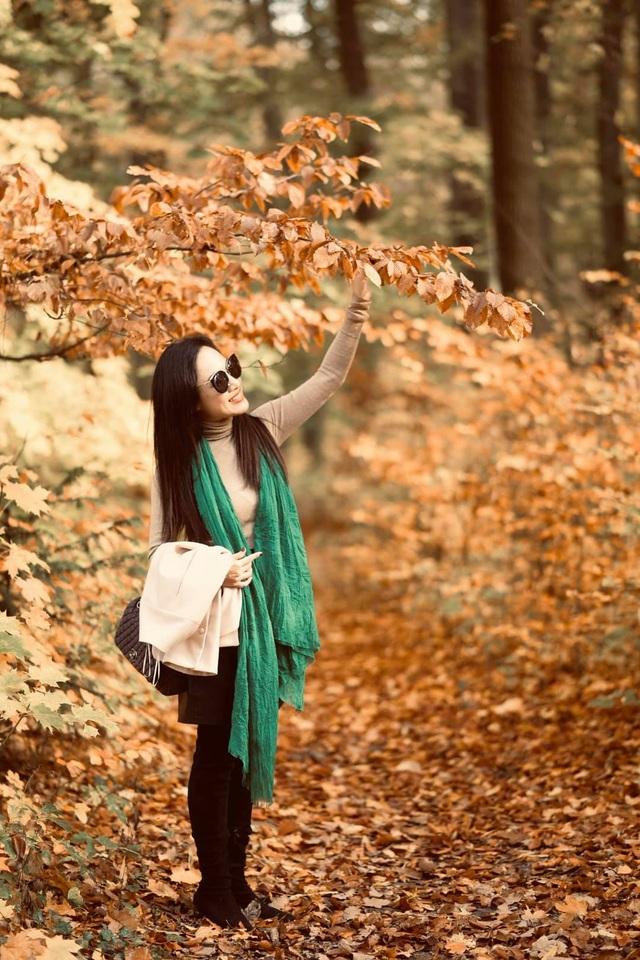 BTV Hoài Anh khoe dáng quyến rũ giữa mùa thu châu Âu - 2