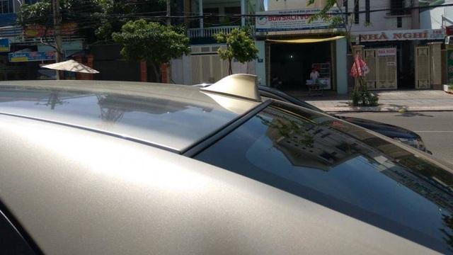 Ăng-ten vây cá mập trên nóc ô tô có công dụng gì? - 2