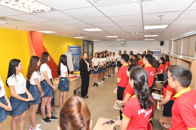 Tìm hiểu cơ hội trở thành tiếp viên hàng không tại Học viện Hàng không Vietjet - 5