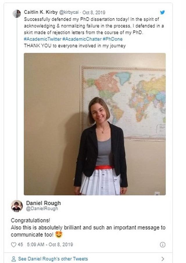 Cô gái mặc chiếc váy từ 17 lá thư từ chối trong ngày bảo vệ luận án tiến sĩ - 1