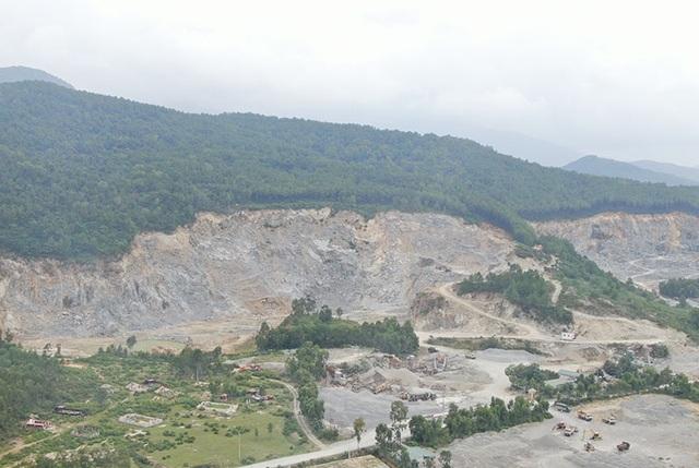 Núi Hồng chi chít những vết sẹo: Dãy núi huyền thoại bị xẻ thịt đến xót xa! - 13