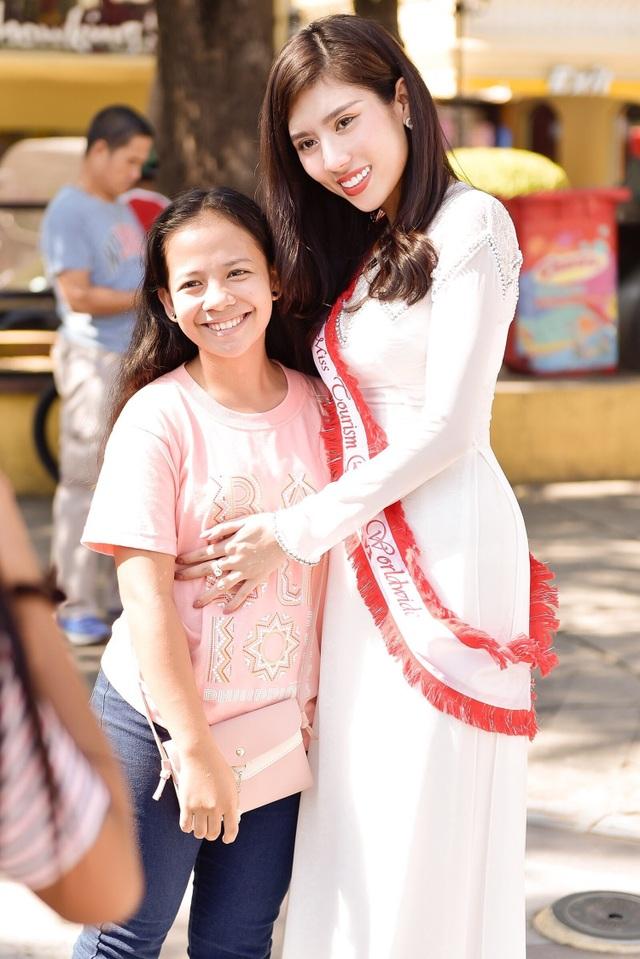 Niềm tự hào bóng đá giúp mỹ nhân Việt lọt Top tại Hoa hậu Du lịch Thế giới - 13