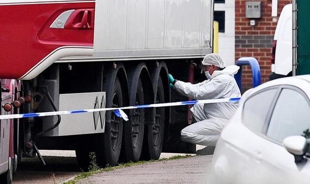 Việt Nam phối hợp Anh tìm hiểu quốc tịch 39 người chết trong xe tải - 1