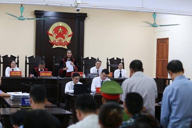 Xử vụ gian lận điểm thi ở Hà Giang: Bị cáo khởi xướng nâng điểm lĩnh 8 năm tù - 1