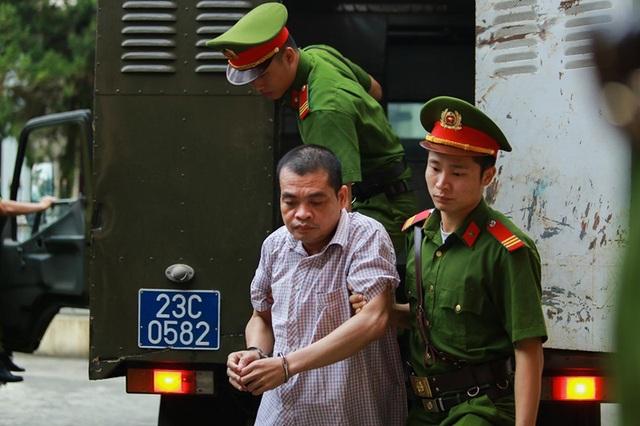 Xử vụ gian lận điểm thi ở Hà Giang: Bị cáo khởi xướng nâng điểm lĩnh 8 năm tù - 4