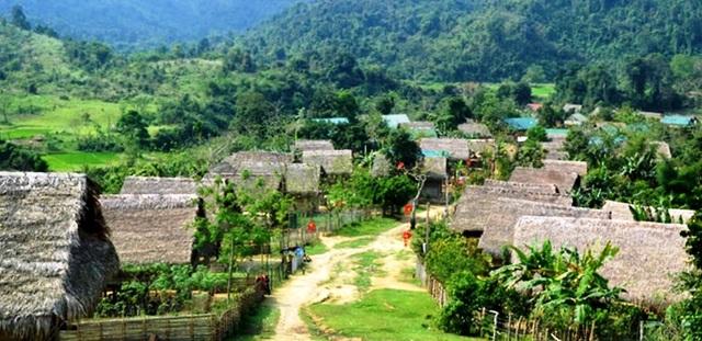 Gần 400 lá đơn xin rút khỏi hộ nghèo của người dân miền núi xứ Nghệ - 1