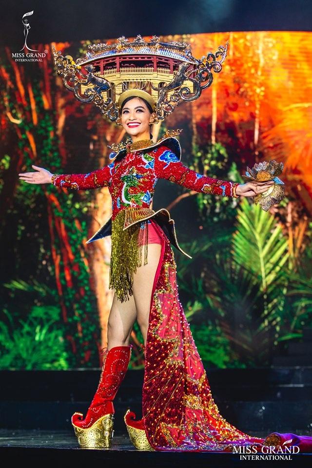 Trước chung kết Hoa hậu hoà bình quốc tế 2019, Kiều Loan dẫn đầu top thí sinh được yêu thích nhất - 4