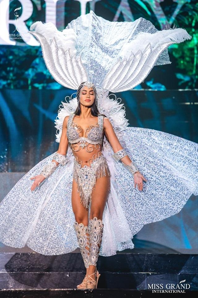 Trước chung kết Hoa hậu hoà bình quốc tế 2019, Kiều Loan dẫn đầu top thí sinh được yêu thích nhất - 8