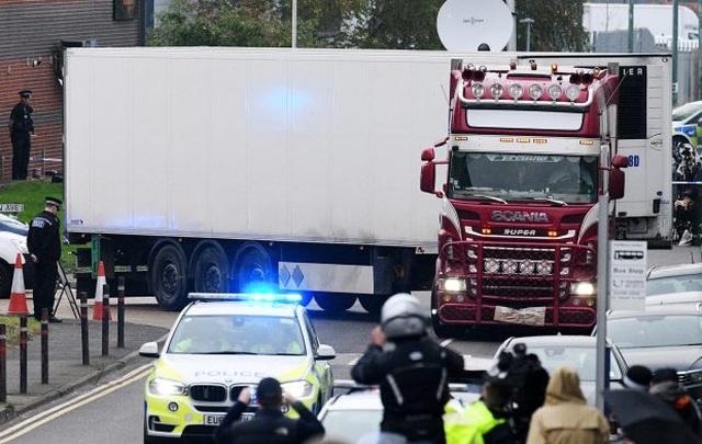 Vụ 39 thi thể trong xe tải ở Anh: Cảnh sát bắt thêm 2 đối tượng - 1