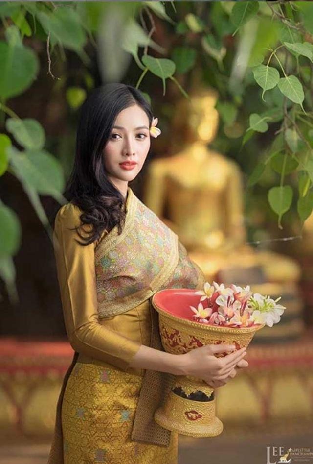 2 cô gái Lào đẹp tuyệt sắc giai nhân: Có người mang dòng máu Việt - 13