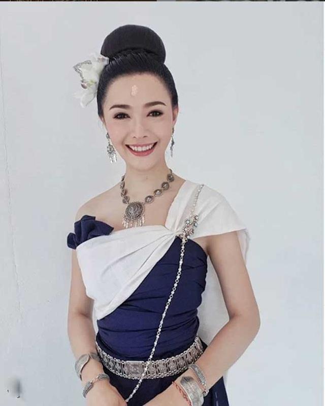 2 cô gái Lào đẹp tuyệt sắc giai nhân: Có người mang dòng máu Việt - 15