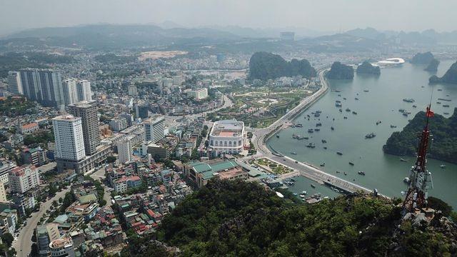 100% đại biểu HĐND thông qua Nghị quyết sáp nhập huyện Hoành Bồ vào TP Hạ Long - 1