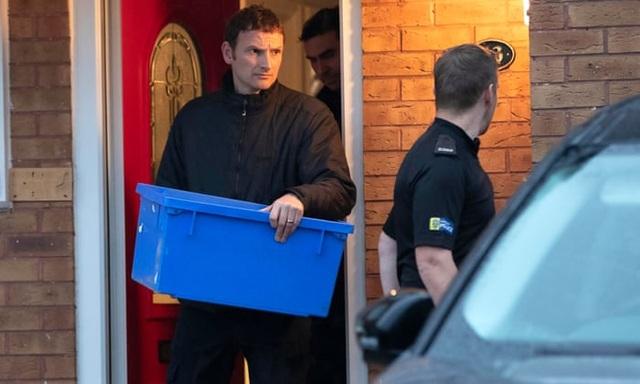3 nghi phạm vụ 39 thi thể trong thùng xe ở Anh được tại ngoại - 1
