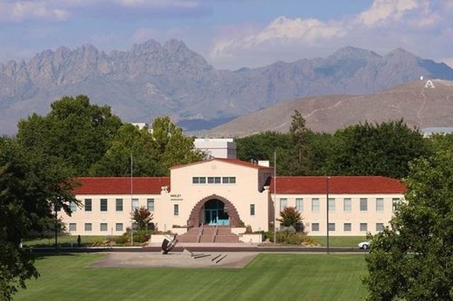 Bang của Mỹ  tính bao toàn bộ học phí đại học, cao đẳng cho cư dân địa phương - 1