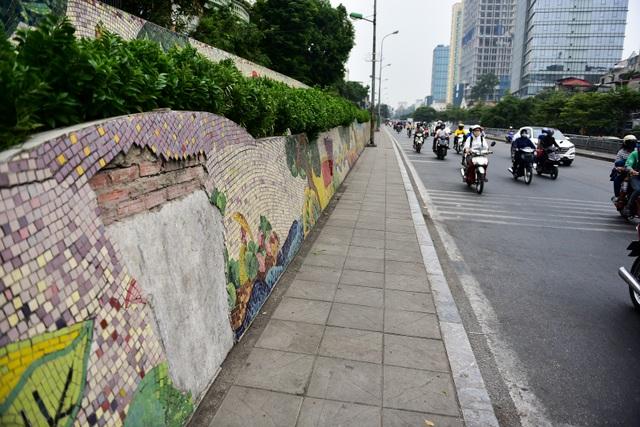 Hà Nội: Con đường gốm sứ kỷ lục Guinness xuống cấp, rạn nứt - 12