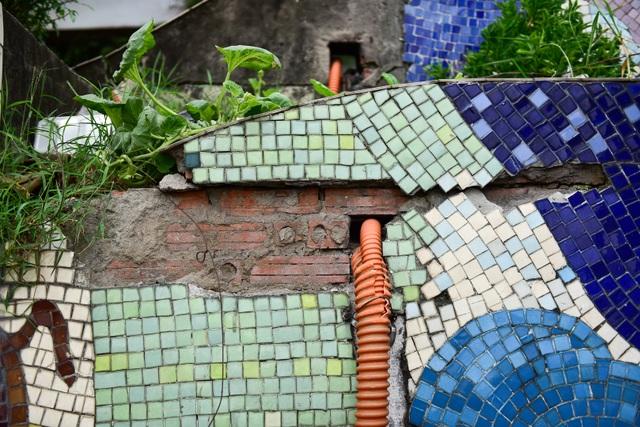 Hà Nội: Con đường gốm sứ kỷ lục Guinness xuống cấp, rạn nứt - 15