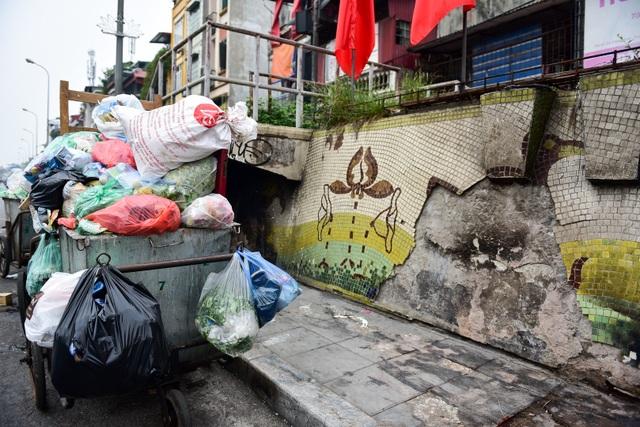 Hà Nội: Con đường gốm sứ kỷ lục Guinness xuống cấp, rạn nứt - 9