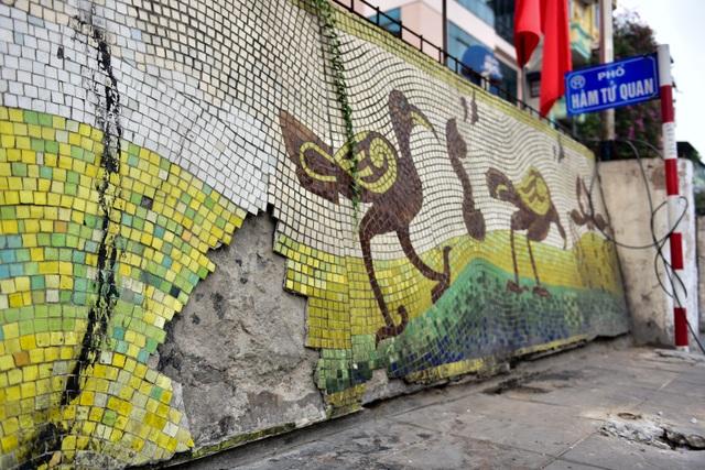 Hà Nội: Con đường gốm sứ kỷ lục Guinness xuống cấp, rạn nứt - 13