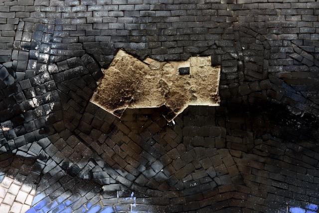 Hà Nội: Con đường gốm sứ kỷ lục Guinness xuống cấp, rạn nứt - 5