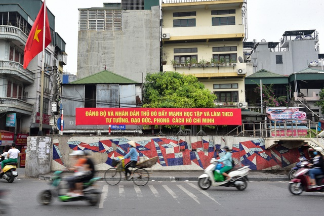 Hà Nội: Con đường gốm sứ kỷ lục Guinness xuống cấp, rạn nứt - 1