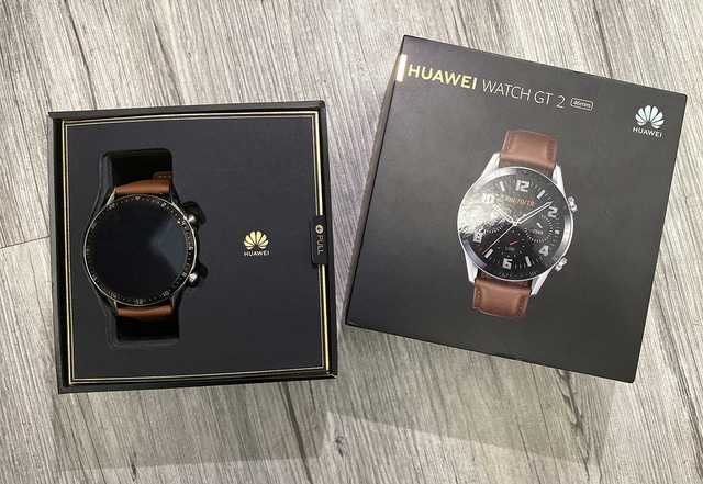 Đập hộp đồng hồ Watch GT 2 giá 6 triệu đồng sắp lên kệ - 1
